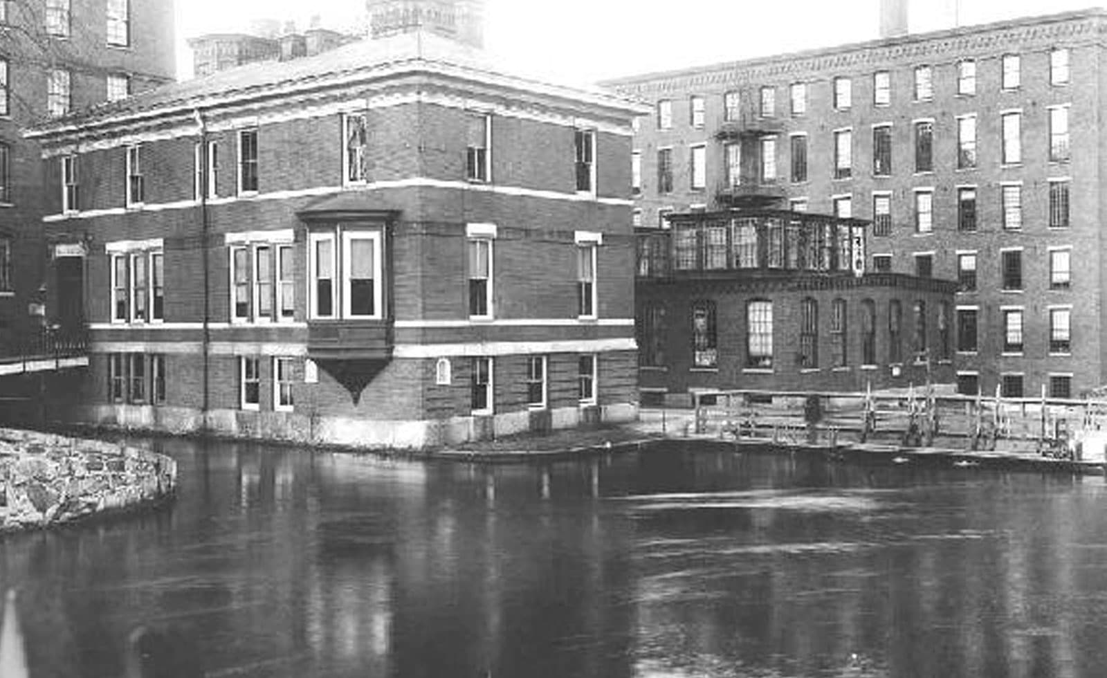 lofts at perkins place black and white photo of canal